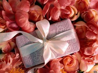 Лучшие идеи подарков для женщин 481