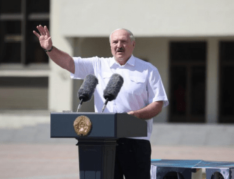Лукашенко: Против Беларуси началась «дипломатическая бойня на самом высоком уровне»