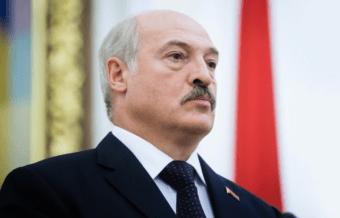 Лукашенко о себе и о протестах: Я пока живой и не за границей. ВИДЕО